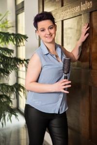 Friseurmeisterin Sarah Kailer