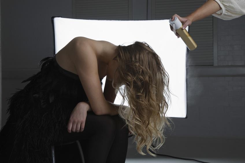 Haarspray – Mit diesen Tricks sitzt jede Frisur!